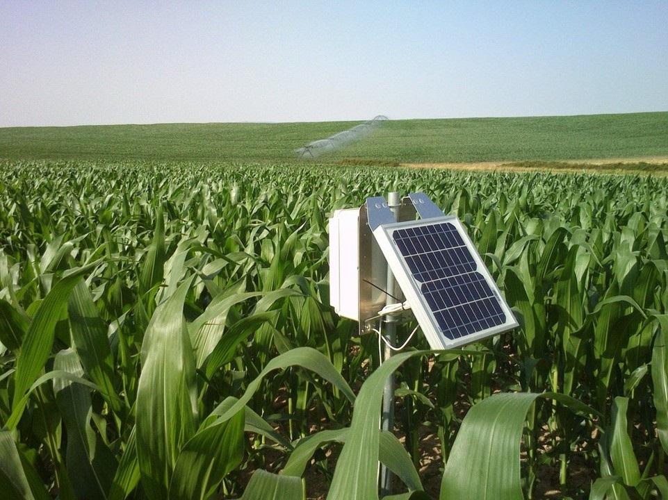 Rega por precisão na agricultura – estações meteorológicas